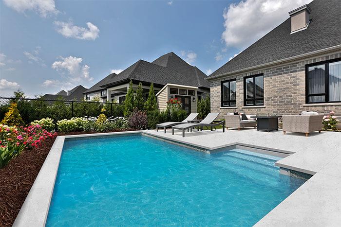 grande piscine creuse latest combien coute piscine creuse kit piscine acier galvanis with. Black Bedroom Furniture Sets. Home Design Ideas
